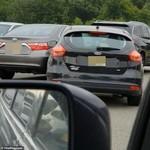 Perjuangan Wanita Parkir Mobil, 7 Menit Plus Menabrak Mobil Orang