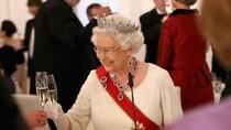Ratu Elizabeth Tak Juga Lepas Gelar ke Pangeran Charles, Cucu Jadi Alasannya