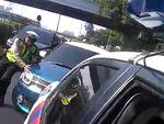 Video Perempuan Terobos Konvoi Jokowi dan Acungkan Jari Tengah
