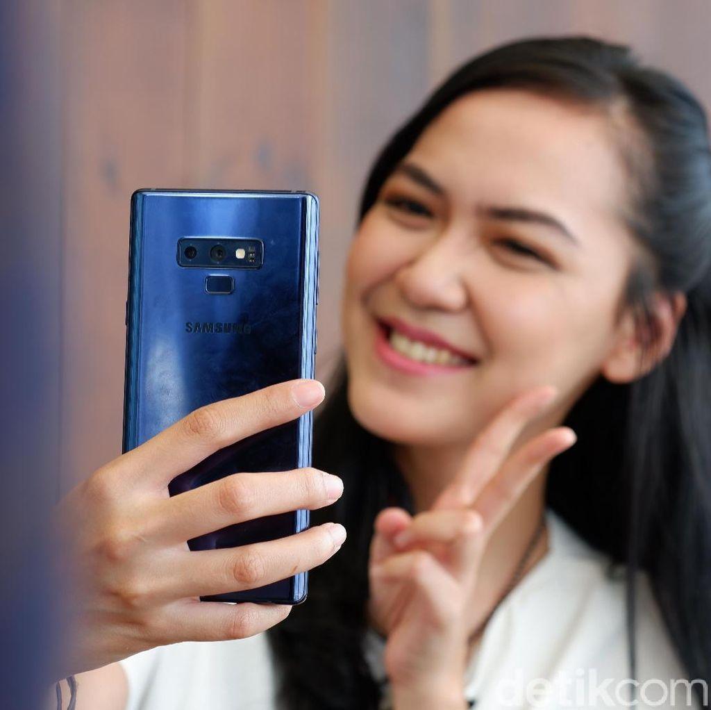 Samsung Uji Coba Kamera Selfie Dalam Layar