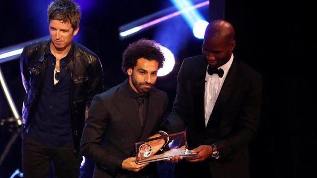 Mohamed Salah raih Puskas award 2018.