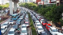 Mobil Pendemo Tutup Jalur Lambat, Jl Rasuna Said Macet Parah!