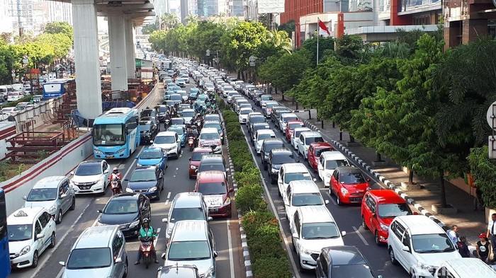 Demo Aliando mengakibatkan kemacetan di ruas Jl HR Rasuna Said, Selasa (25/9/2018) Foto: Haris Fadhil-detikcom