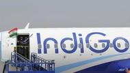 Hendak Ngecas Ponsel di Kokpit, Pria India Diusir Keluar Pesawat
