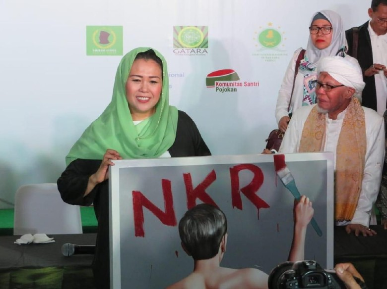 Timses Prabowo Hormati Sikap Yenny Wahid Dukung Jokowi