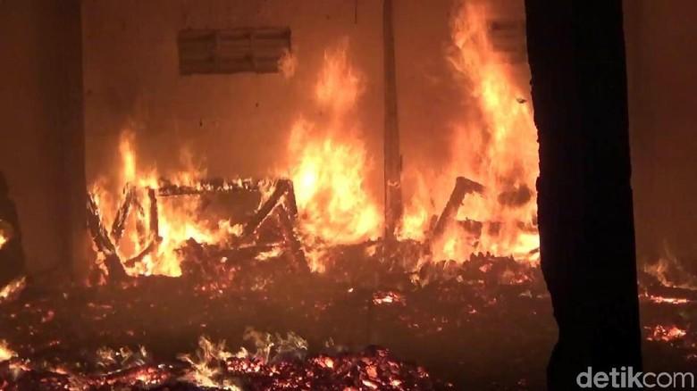 4 Gudang Mebel Ludes Terbakar, Kerugian Ratusan Juta Rupiah