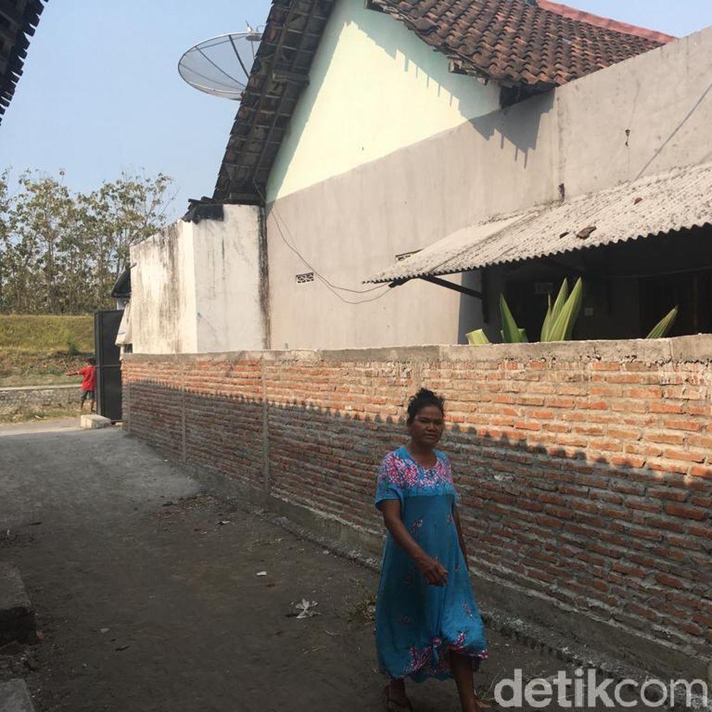 Rumah Khotijah Diblokade Seger, Warga: Urusan Air Saja Kok Jadi Perkara