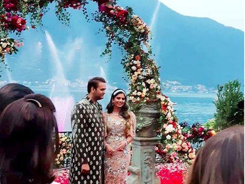 Pertunangan Isha Ambani dan Anand Piramal.