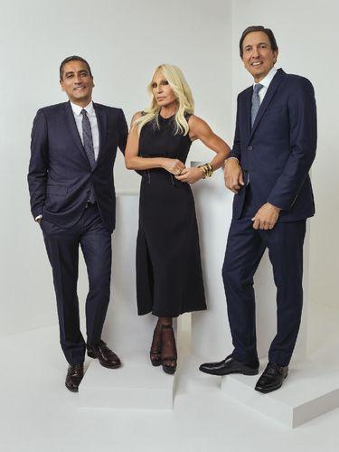 Ini Alasan Donatella Jual Brand Versace ke Michael Kors