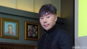 Roy Kiyoshi Goyang, Netizen Sebut Kesurupan