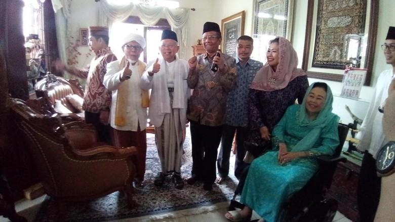 Disambut Yenny Wahid, Maruf Amin Kunjungi Istri Gus Dur