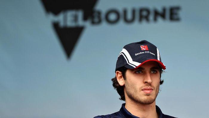 Antonio Giovinazzi akan bertandem dengan Kimi Raikkonen di Sauber pada isu terkini depan. (Foto: Mark Thompson/Getty Images)