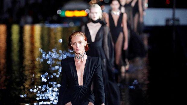 Hentakan Spektakuler 'Ready-to-Wear' Yves Saint Laurent