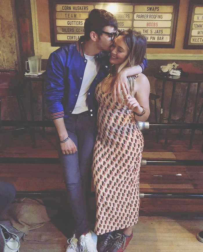 Pada kehamilan kedua, Hilary Duff mengidamkan permen licorice alias akar manis. Sang pacar, Matthew Koma pun harus keluar masuk 6 toko untuk mencari permen tersebut. Foto: Instagram Hilary Duff