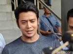 Kris Hatta Pukul Anthony yang Mencoba Melerai Ribut-ribut