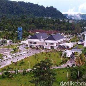 Perbandingan Pos Batas Indonesia dan Papua Nugini, Bagus Mana?