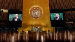 Trump Puji Kim Jong Un, Namun Sanksi untuk Korut Tetap Berjalan