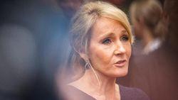 Dicaci Maki, Novel Terbaru JK Rowling Tetap di Posisi Pertama