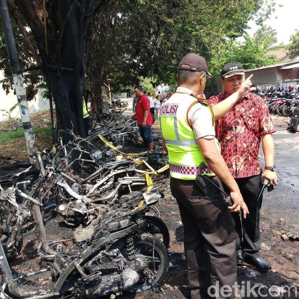 Diparkir Liar, Belasan Motor Milik Pelajar Ludes Terbakar