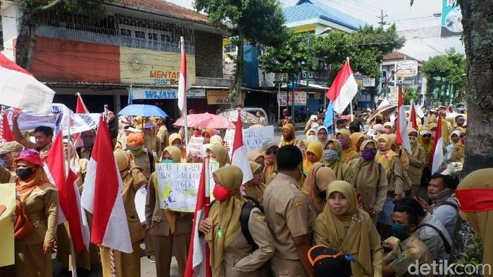 Guru honorer K2 kirim surat ke Jokowi, Banjarnegara, Rabu (26/9/2018).
