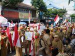 Video: Guru Honorer Galau Kirim Puisi untuk Jokowi
