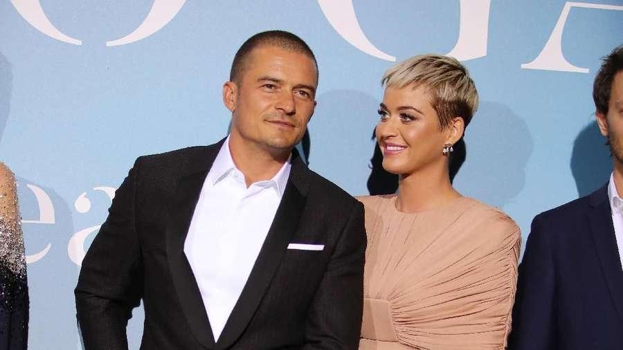 Katy Perry Mau Peluk, Orlando Bloom Kok Malu-malu Sih?