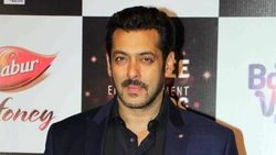 India Lockdown, Salman Khan Bantu Keuangan 25 Ribu Pekerja Upah Harian