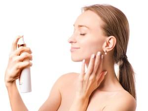 Mengenal Setting Spray, Produk Makeup yang Bikin Riasan Tahan Lama