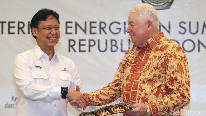 Direktur Utama Inalum Budi Gunadi Sadikin dan CEO Freeport McMoran Richard Adkerson/Foto: Ari Saputra