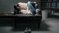 Audio Porn Populer Kala Pandemi, Lepas Stres dengan Dengar Kisah Erotis