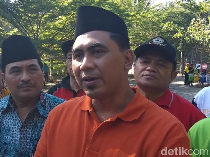 Wagub Jateng Taj Yasin pimpin apel gerakan memungut sampah, Kabupaten Semarang, Kamis (27/9/2018).