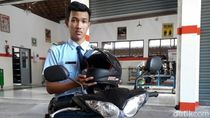 Kreatif! Siswa SMK di Purworejo Ciptakan Helm Antibegal