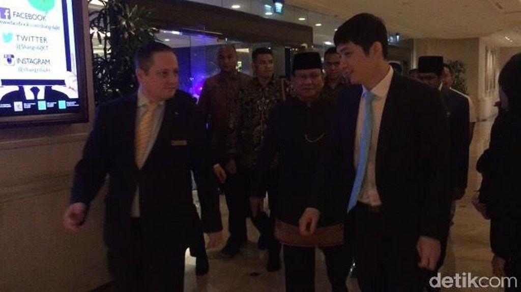 Berbeskap, Prabowo Hadiri Perayaan Hari Nasional China