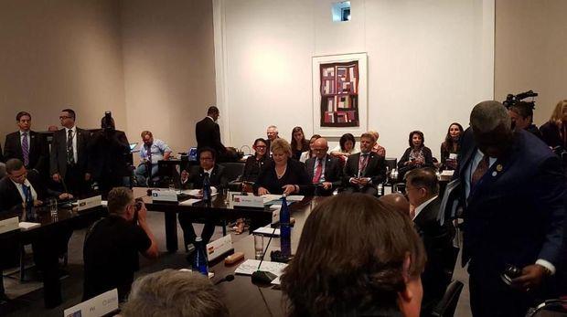 Wapres JK dan Menteri Susi di acara konferensi laut
