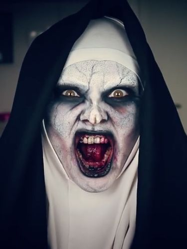 Foto Before-After Selebgram Transformasi Jadi Valak di Film The Nun