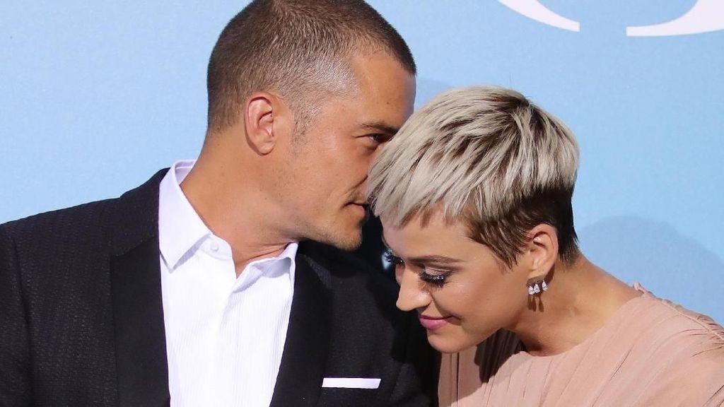 Orlando Bloom Beri Cincin Tunangan yang Mirip ke Katy Perry dan Miranda Kerr