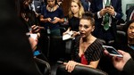Beri Dukungan Korban Pelecehan, Pakaian Alyssa Milano Jadi Sorotan