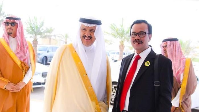 Pangeran Sultan bin Salman bin Abdulaziz Al Saud, Putra tertua Raja Salman, Astronout pertama Timur Tengah bersama Duta Besar RI Untuk Saudi dan OKI, Agus Maftuh Abegebriel/Foto: dok. KBRI Riyadh