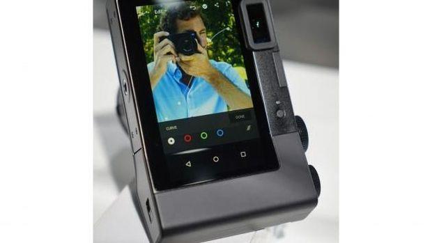 Kamera Ini Terintegrasi dengan Adobe Lightroom