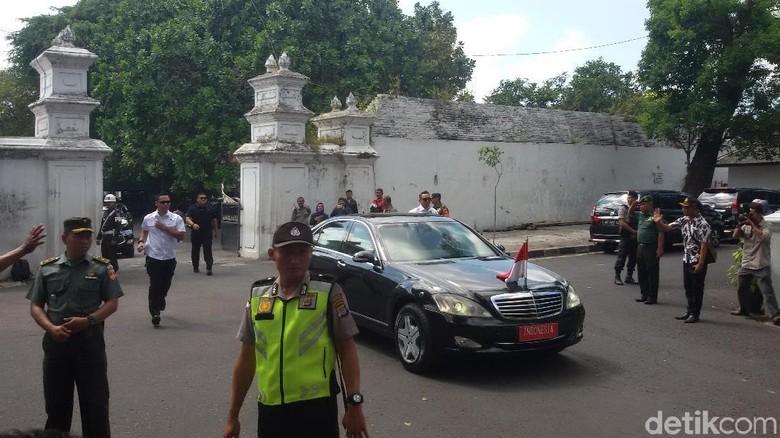 1 Jam Jokowi Bertemu Sultan HB X di Keraton Yogya, Bicarakan Apa?