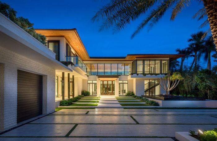 Rumah bergaya kontemporer ini dibeli Khaled dari Michael Lerner, aktor asal AS yang populer di tahun 1980-an. Istimewa/mansionglobal.com.
