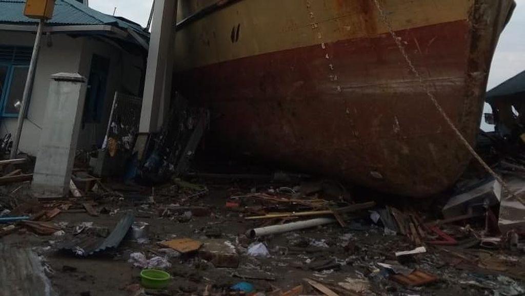 Kapal Laut Naik ke Daratan di Palu Tak Rusak, Segera Dipindah