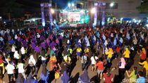 Dukung Asian Para Games, Warga Tulungagung Senam Dayung dan Night Run