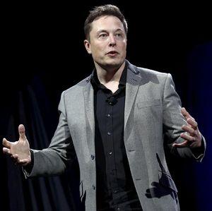 Elon Musk, Korban Bully yang Kini Kaya Raya