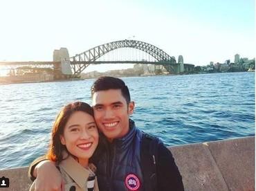 Dian Sastrowardoyo lagi-lagi wefie di Australia. Mesranya! (Foto: Instagram @therealdisastr)