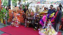 Berkostum Rp 10 Juta, Gadis Cilik Juara Karnaval di Manado