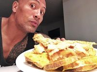 5 Menu Sarapan Aneh Pilihan 'The Rock' hingga Jennifer Lawrence