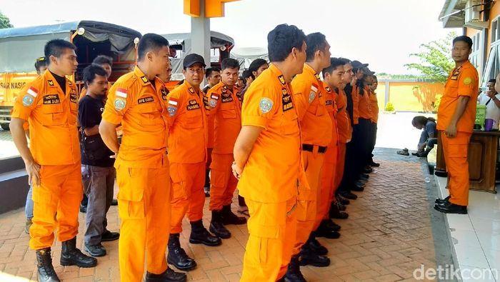 Foto: Tim Basarnas dari Makassar di Palu (Taufiq/detikcom)