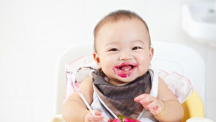 Tahap Perkembangan Penglihatan Bayi 0-4 Minggu