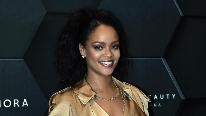 Rihanna saat rilis Fenty Beauty di Sephora. Foto: Getty Images